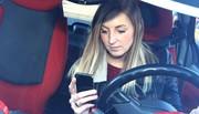 Smartphone : Une mauvaise idée de cadeau pour les jeunes conducteurs ?