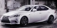 La Lexus IS ose l'originalité