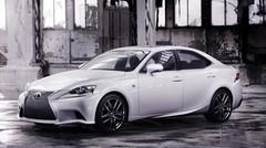 Premières images de la Lexus IS avant Detroit
