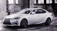 Lexus IS 2013 : un style acéré et une version hybride