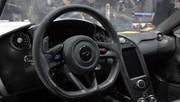 McLaren habille sa P1 en Alcantara