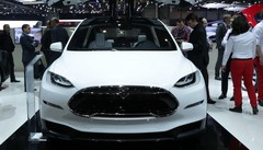 Tesla : Et maintenant le monospace électrique Model X