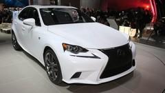 Lexus IS en vidéo