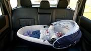 Vacances : bien attacher son enfant en voiture