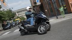 Essai du scooter à trois roues Quadro 3D 350S