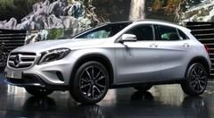 Mercedes-Benz GLA, Classe A-scendant crossover
