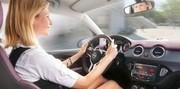 Les femmes plus respectueuses du code de la route selon une étude