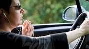 Au volant, les femmes se méfient de l'alcool, mais moins des SMS