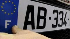 Ayrault alerté sur les fausses plaques d'immatriculation