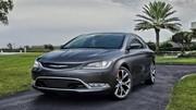 Chrysler 200 : les photos officielles s'enfuient