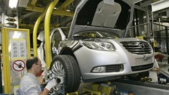 Opel va fermer Bochum mais garantit l'emploi sur ses autres sites jusqu'en 2018
