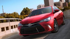 Le best-seller Toyota Camry s'aiguise