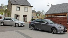 Essai Lexus IS 300h vs Mercedes C 180 : Hybride ou downsizing ?