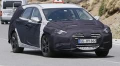 Hyundai i40 : Facelift la Passat coréenne