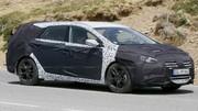 La Hyundai i40 restylée lourdement camouflée