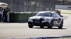 Une Audi sans pilote à 240 km/h sur circuit !