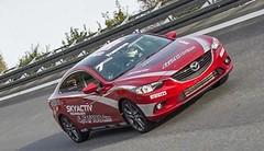 Sur ovale, la Mazda6 peut rouler à 221,072 km/h de moyenne pendant 24 heures