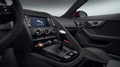 Jaguar F-Type, avec boîte manuelle et AWD