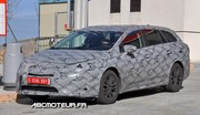 La future Toyota Avensis break surprise en test