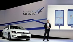 CES 2015 : la Volkswagen e-Golf intègre Mirrolink, CarPlay et Android