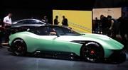 La Vulcan d'Aston Martin fait irruption Genève
