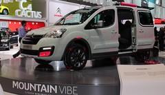 Le Berlingo et le concept Mountain Vibe sur le stand Citroën à Genève