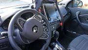 Renault Laguna : sa remplaçante laisse apercevoir son intérieur !
