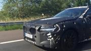 La Volvo S90 montre son regard