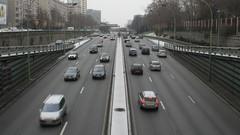 Paris bannit les poids lourds d'avant 2001