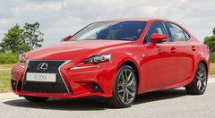 Lexus IS200t : alternative à l'hybride