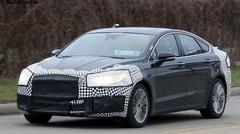 La Ford Mondeo restylée pointe le bout de son nez