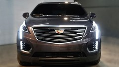 Cadillac : premières images officielles du crossover XT5