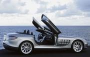 SLR McLaren Mercedes-Benz Roadster : Y'en a un peu plus, j'vous l'mets quand même ?