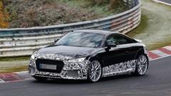 L'Audi TT RS commence à montrer ses muscles