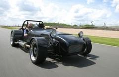 Caterham X330 : la chasse aux supercars