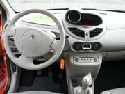 Essai Renault Twingo II 2007 : Ca ne rigole plus !
