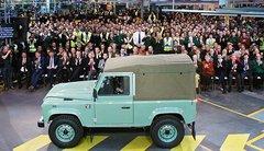 Land Rover : le Defender célèbre la fin de sa carrière
