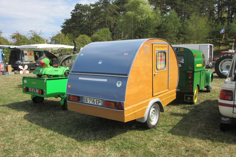 camping cars et caravanes anciens nes page 3 auto titre. Black Bedroom Furniture Sets. Home Design Ideas