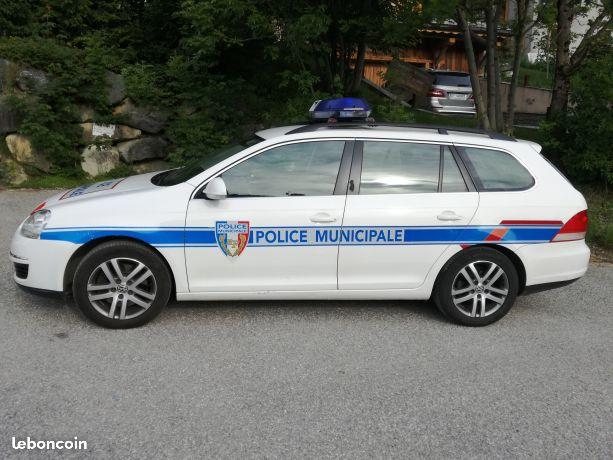 photos de voitures de police page 2579 auto titre. Black Bedroom Furniture Sets. Home Design Ideas