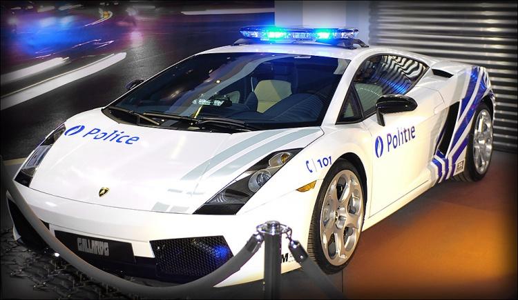photos de voitures de police - page 2212 - auto titre