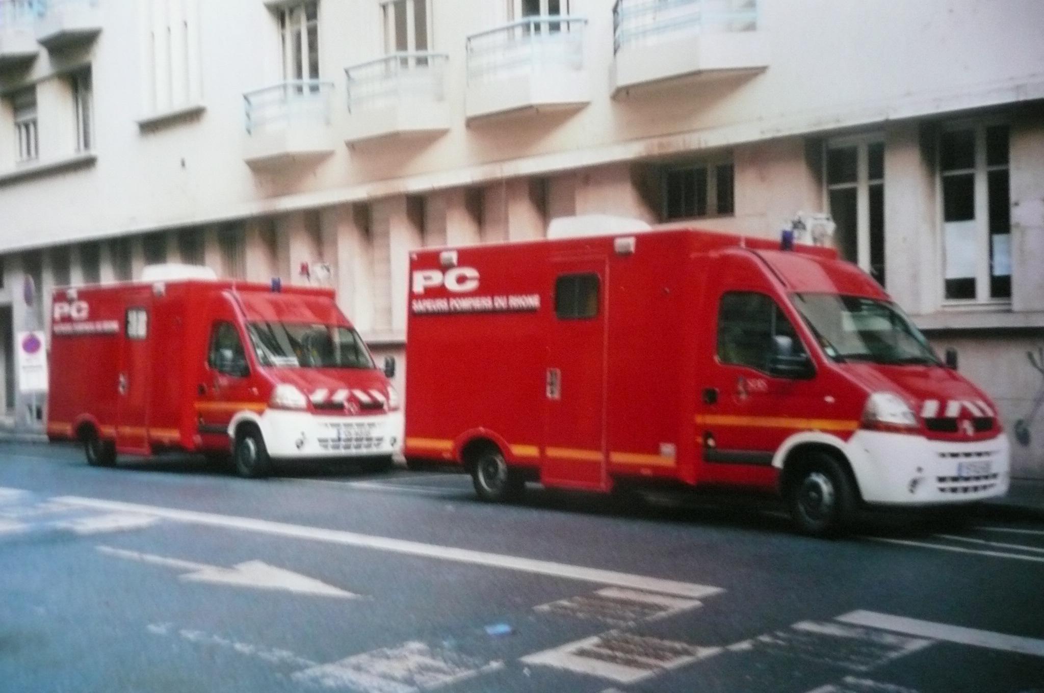 V hicules des pompiers fran ais page 1708 auto titre for Garage renault valdan wittelsheim