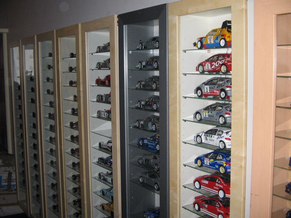 post d di exclusivement aux miniatures l 39 chelle 1 18 page 816 auto titre. Black Bedroom Furniture Sets. Home Design Ideas