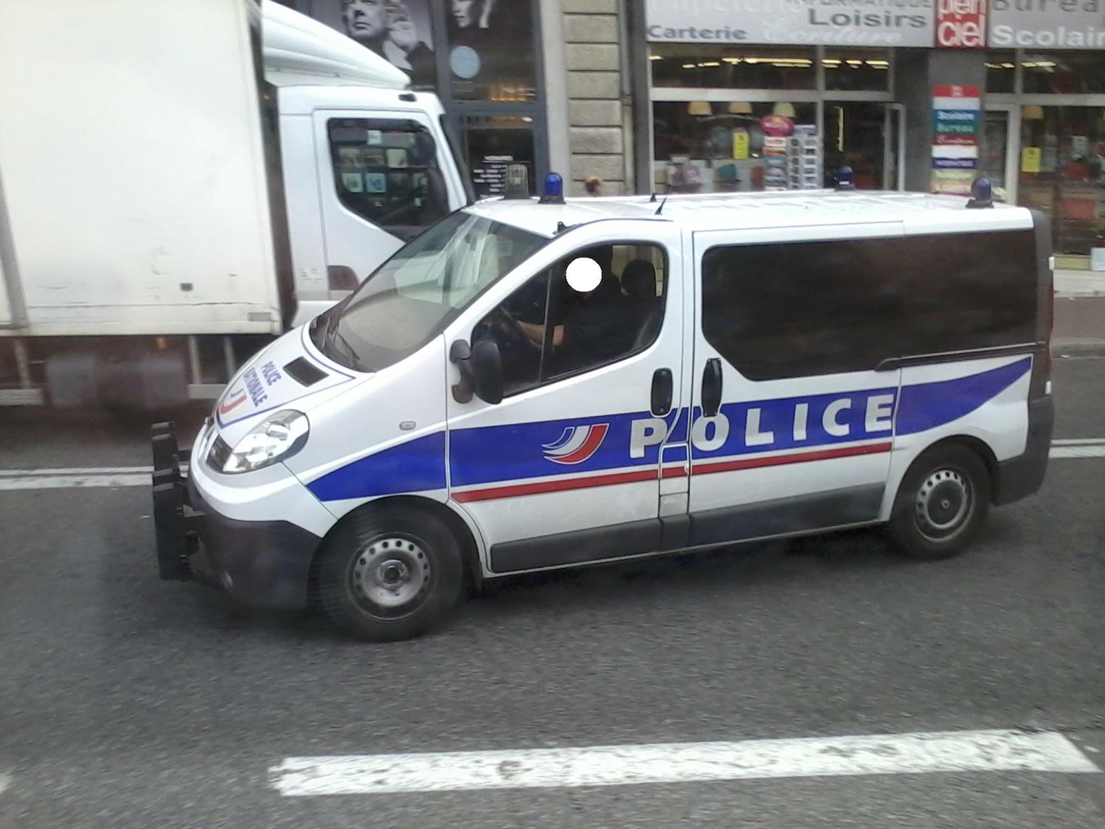 photos de voitures de police page 2308 auto titre. Black Bedroom Furniture Sets. Home Design Ideas