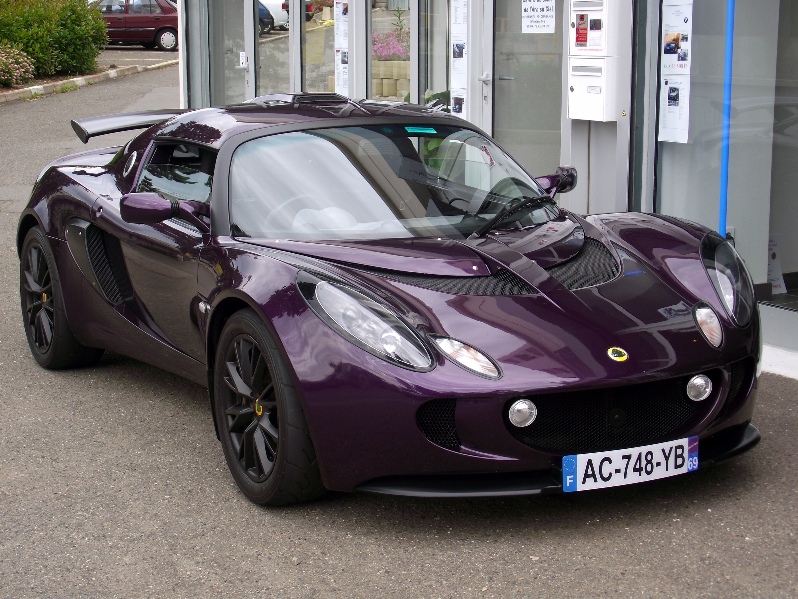 attention vol lotus exige aubergine immat 748 yb 69 auto titre. Black Bedroom Furniture Sets. Home Design Ideas