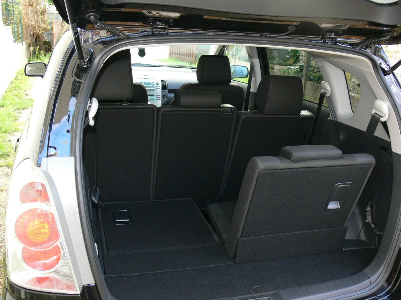 apr s ma toyota corolla verso mon grand c4 picasso. Black Bedroom Furniture Sets. Home Design Ideas