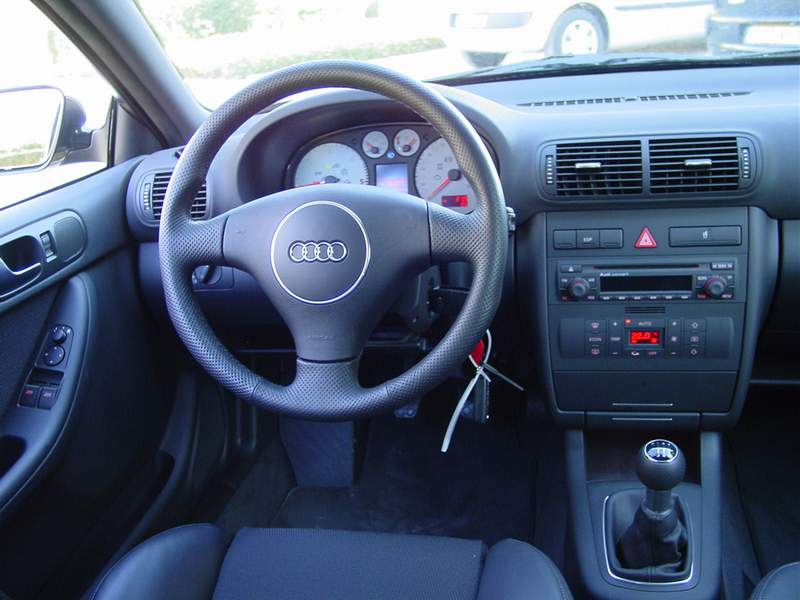 audi a3 sline 130cv auto titre. Black Bedroom Furniture Sets. Home Design Ideas