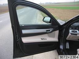 BMW Série 7 F01 750i (2011)