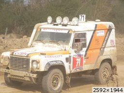 divers sport Land Rover Defender V8